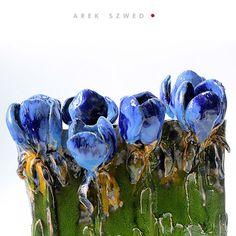irys/ wazon ceramiczny/ dekoracja wnętrz/ ceramika Arek Szwed