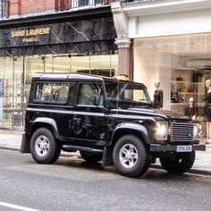 Land Rover Defender 90 Td4 Sw TAXI - Landie Taxi feels  fashion statement.