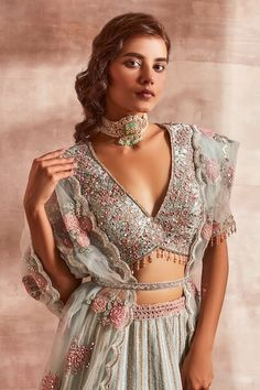 Desi Wedding Dresses, Indian Wedding Outfits, Indian Outfits, Western Dresses, Indian Dresses, Heavy Lehenga, Boho Jewellery, Jewelry, Sangeet Outfit