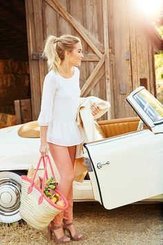 The official site of Lauren Conrad is a VIP Pass. Here you will get insider knowledge on the latest beauty and fashion trends from Lauren Conrad. Office Outfits, Casual Outfits, Summer Outfits, Cute Outfits, Fashion Idol, Look Fashion, Lc Lauren Conrad, Laura Conrad, Moda Outfits