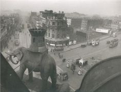 The Vintage Guide To London - Elephant and Castle, Victorian London, Vintage London, Old London, South London, London Pubs, London Life, London Pictures, London Photos, Old Pictures