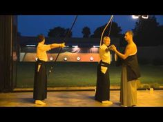 Kyudo (Japanese boogskiet) - YouTube