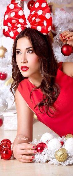 Christmas, red and white Christmas Colors, White Christmas, Christmas Holidays, Christmas Decorations, Christmas Stuff, Elegant Christmas, Southern Christmas, Merry Christmas And Happy New Year, Happy Holidays