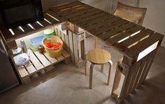 cuisine Installation de la cuisine d'installation dans des meubles de cuisine avec des palettes île de cuisine