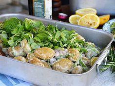 9 vinnande sallader till grillkvällen | Köket.se Mixed Grill, Grilling Recipes, Potato Salad, Spinach, Bbq, Meat, Chicken, Vegetables, Ethnic Recipes