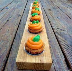 Carrot carrot cake cupcakes