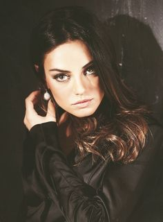 Mila Kunis makeup. Beautiful hair