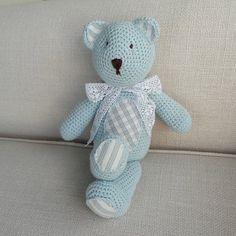 Ursinho Crochê Azul com Laço