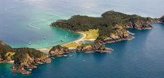 Bay of Islands es una micro región subtropical de una impresionante belleza.  En total son unas 144 islas en las que puedes, por ejemplo, practicar diversas actividades acuáticas.  ¡No dejes de viajar!