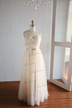 Champagne Tulle Wedding Dress/Long Bridesmaid Dress/Prom Dress Strapless Sweetheart Dress