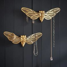Pottery Barn Teen's New Fantastic Beasts Collection Is Pure Magic - Brit + Co Custom Jewelry, Diy Jewelry, Jewelry Sets, Handmade Jewelry, Jewelry Frames, Jewellery Storage, Jewellery Display, Jewelry Organization, Jewelry Holder Wall