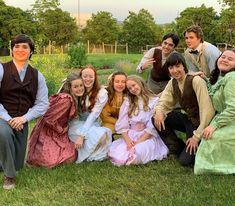 Anne with an E cast behind the scenes Movies Showing, Movies And Tv Shows, Lucas Jade Zumann, Gilbert And Anne, Amybeth Mcnulty, Anne White, Gilbert Blythe, Anne With An E, Anna