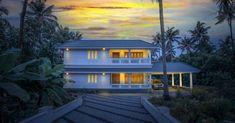 കൗതുകങ്ങൾ നിറയുന്ന വീട്, ഒപ്പം വാസ്തുവും! വിഡിയോ   Home Plans Kerala   House Plans Kerala   Home Style   Manorama Online Kerala Houses, Kerala House Design, Indian Homes, Traditional House Plans, Farm Houses, Exterior, How To Plan, Mansions, Contemporary