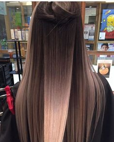 What exactly is Balayage Hair and why do we love it so much? As the name implies, Balayage is a French technique whose goal is to color the hair by adding very soft and. Brunette Ombre, Hair Styles Brunette, Mid Length Hair, Haircuts For Long Hair, Blonde Haircuts, Long Brunette Hairstyles, Trendy Haircuts, Hair Color Balayage, Blonde Balayage