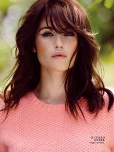 I'm getting my hair done tomorrow, and this is my inspiration above – Gemma Arterton from Instyle's Oct. Love her look especially her gorgeous hair. Hair Colorful, Coiffure Hair, Corte Y Color, Gemma Arterton, Brunette Hair, Rich Brunette, Brunette Color, Great Hair, Awesome Hair