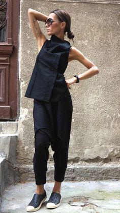 Schwarzes Leinen Sleevless Top / schöne Weste / von Aakasha auf Etsy