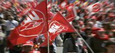 La Federación de Empleadas y Empleados de los Servicios Públicos (FeSP) de UGT anuncia que convocará medidas de protesta si el Gobierno, para cuadrar las cuentas en los Presupuestos Generales del Estado para 2017 recurre, una vez más, al recorte salarial y de derechos de los trabajadores de las Ad...