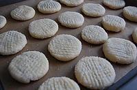 Fursecuri cu crema de curmale - LaLena.ro Convenience Store, Cookies, Desserts, Food, Convinience Store, Crack Crackers, Tailgate Desserts, Deserts, Biscuits