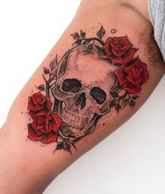 Find images and videos about tattoo, flower and roses on We Heart It - the app to get lost in what you love. Floral Skull Tattoos, Skull Tattoo Flowers, Sugar Skull Tattoos, Skull Tattoo Design, Tattoo Designs, Skull Thigh Tattoos, Tattoo Ideas, Emo Tattoos, Badass Tattoos