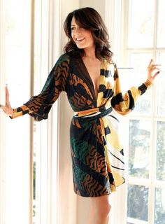 Lisa Edelstein, actress (House/The West Wing) Hottest Female Celebrities, Celebs, Lisa Cuddy, Lisa Edelstein, House Md, Queen, Famous Women, Fashion Stylist, Beautiful Actresses