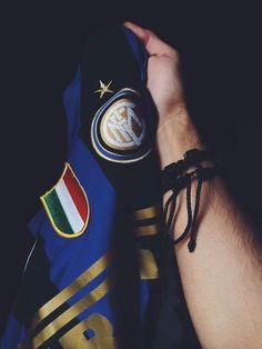 Milan Football, Neymar Football, Football Boys, American Flag Wallpaper Iphone, Inter Milan Logo, Milan Wallpaper, Mauro Icardi, Sports Jersey Design, Soccer Guys