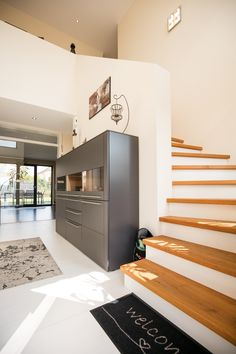 Refernzen im Holzständer - ECO Home Systems Stairs, Loft, Furniture, Home Decor, Wood Stairs, New Construction, Asylum, Homes, Stairway