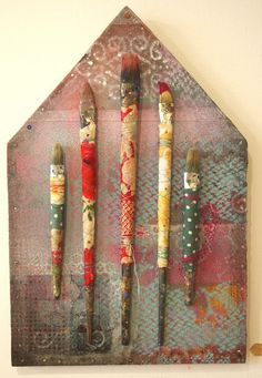 I really like this idea. I have so many old crappy paint brushes I could recycle.