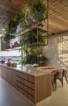 Prateleira Suspensa: +63 Modelos Lindos para se Inspirar Modern Kitchen Design, Interior Design Kitchen, Interior Decorating, Home Decor Styles, Cheap Home Decor, Home Decor Kitchen, Home Kitchens, Kitchen Plants, Dream Home Design