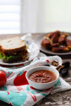 Sticky Fig BBQ Tempeh sandwich with sauce