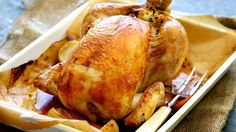 Classic roast chicken with bread and butter stuffing Recipe Allergy Free Recipes, Paleo Recipes, Meat Recipes, Yummy Recipes, Paleo Dinner, Dinner Recipes, Paleo Menu, Sage And Onion Stuffing, Roast Chicken