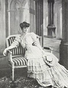 Toilette de jour par Doeuillet, 1905.