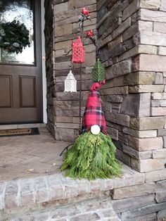 awesome outdoor christmas decorations for a winter wonderland page 9 Christmas Greenery, Christmas Gnome, Outdoor Christmas Decorations, Diy Christmas Ornaments, Christmas Projects, Christmas Holidays, Christmas Wreaths, Christmas Ideas, Holiday Decor
