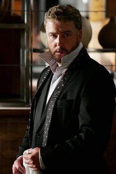 William Petersen.  His portrayal of Gil Grissom got me hooked on CSI.  Someday hope to watch his other works.  Talented actor, Chicagoland native, Cubs fan - all good things.