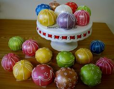 Christmas Ornament Cake part 2 by SweetCreationsbyFlor