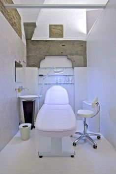 Resultado de imagen para pretty medical spa room