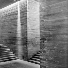 http://www.architekturzeitung.com/azbilder/2012/1210/peter-zumthor-hans-danuser-therme-vals-5.jpg