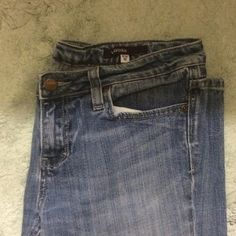 "Vigoss Chelsea Skinny jeans (gone SOON!) Priced to sell! Five pocket detail, skinny fit, ankle length, normal wash color. Zipper and button closure. 28"" inseam. These are sturdy jeans that will last forever! Barely worn, EUC! Vigoss Jeans"