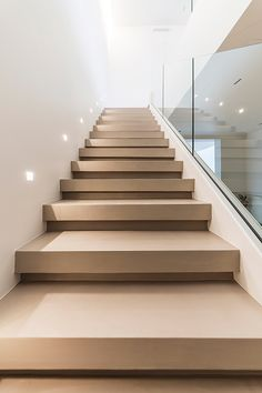 50 modern stair design ideas for your dream home 1 Home Stairs Design, Railing Design, Interior Stairs, Dream Home Design, Modern House Design, Interior Architecture, Stair Design, House Staircase, Modern Stairs
