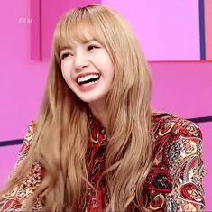 "181213 SBS ""We Will Channel You"" Show #LISA Jennie Lisa, Blackpink Lisa, Mona Lisa, Forever Young, Kpop Girl Groups, Kpop Girls, Girls Group Names, Black Pink Kpop, Arte Disney"