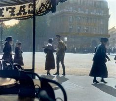 Hand tinted photo Paris. Burton Holmes. 1918.