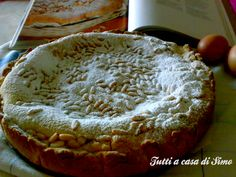 Fa sempre piacere gustare una torta di pinoli su una base di pasta frolla!