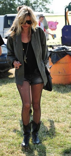 The famous rock chic style by Kate Moss for summer festivals.