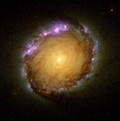 Спиральная галактика с перемычкой NGC 1512 в созвездии Часы / Astro Analytics