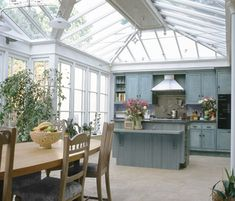Top Remodel Conservatory Windows for Your Home, Apartment on A Budget Greenhouse Kitchen, Conservatory Kitchen, Conservatory Design, Conservatory Extension, Gazebos, Glass Extension, Extension Ideas, Open Plan Kitchen, Kitchen Ideas