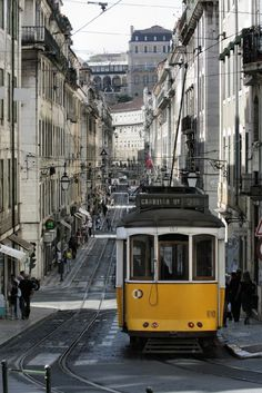 Lisbon, Portugal – Cool, Cultural and Cosmopolitan - via Foody Traveller 09.08.2014 | Lisbon certainly has a lot going for it. But on the late November days that we were there, there was nothing cool about the weather. It was warm, gloriously warm as we sat on the terrace of the Castelo de S. Jorge basking in the sunshine watching some peacocks preening their feathers. Photo: 28 Tram Lisbon