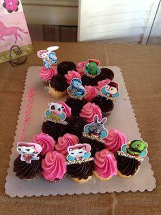 Brooklynn's Sheriff Callie Cupcake #2 cake