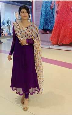 Fancy Dress Design, Stylish Dress Designs, Dress Neck Designs, Blouse Designs, Velvet Dress Designs, Indian Fashion Dresses, Dress Indian Style, Indian Designer Outfits, Indian Outfits