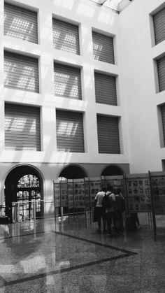 Grande hall do edifício Central dos Correios. Projeto UNA Arquitetos.