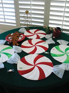 Peppermint Twist Place Mats, Table Runner or Table Topper Pattern