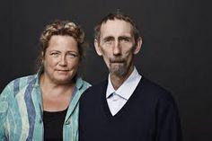 Lotte Hammer (geboren 1955) is opgeleid als verpleegkundige in 1974 en heeft het hoofd van de thuiszorg en lid van geweest de gemeenteraad in Halsnæs ,  Ze is vooral bekend voor haar politie romans , die ze schreef met zijn broer Soren Hammer